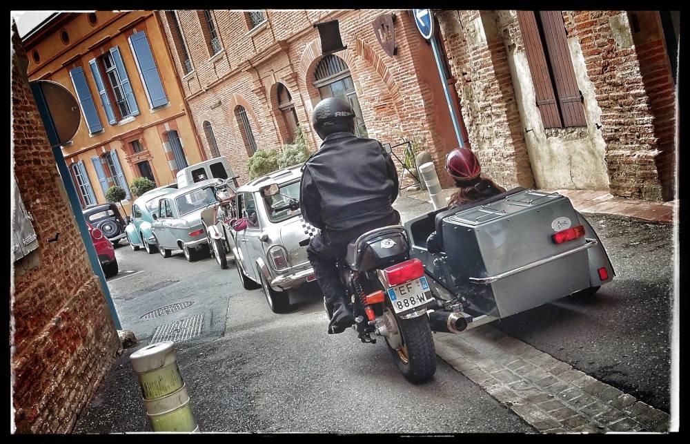 Bouchon dans les rues de Lavaur.